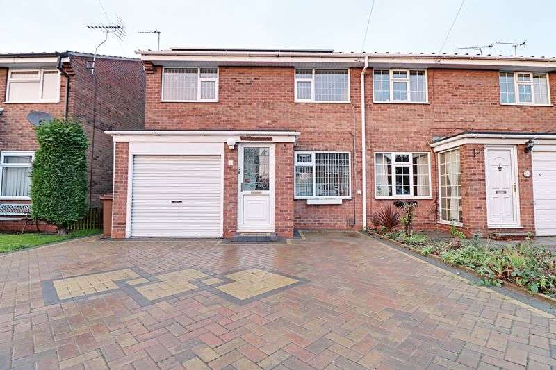 3 Bedrooms Semi Detached House for sale in Wilkie Close, Scunthorpe
