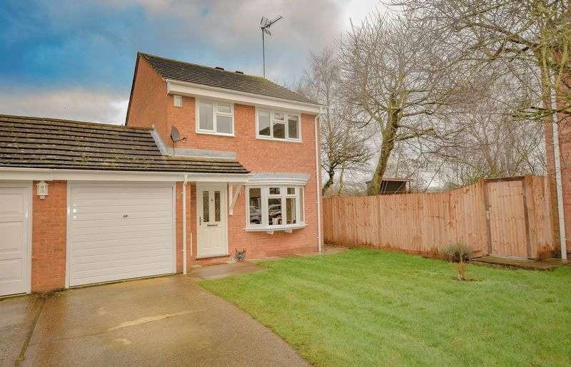 3 Bedrooms Detached House for sale in Demontfort Rise, Ware