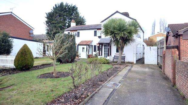 2 Bedrooms Semi Detached House for sale in Wessex Way, Maidenhead, Berkshire