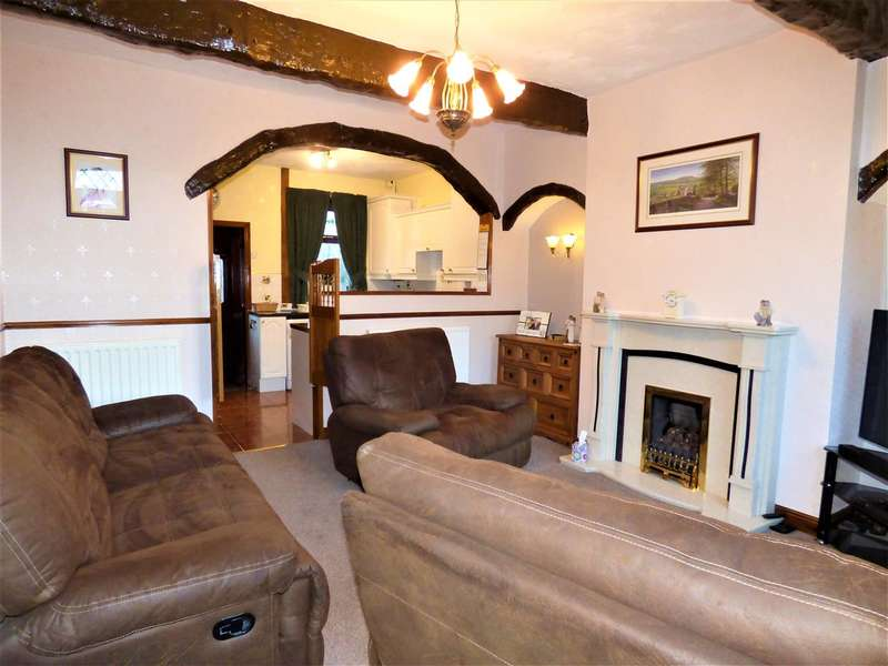 2 Bedrooms Terraced House for sale in Wood Street, Colne