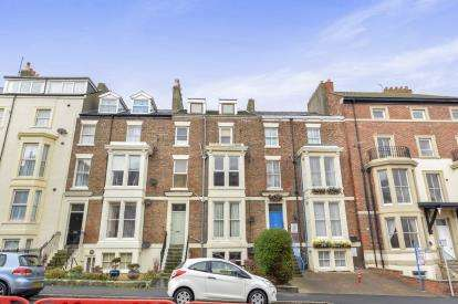 1 Bedroom Flat for sale in Abbey Terrace, Whitby, North Yorkshire, .