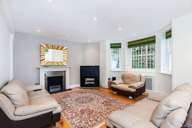3 Bedrooms Apartment Flat for sale in Cornwall Gardens, South Kensington