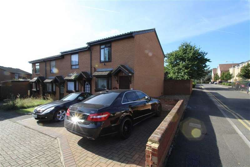 2 Bedrooms Property for sale in Heacham Avenue, Ickenham, Middlesex