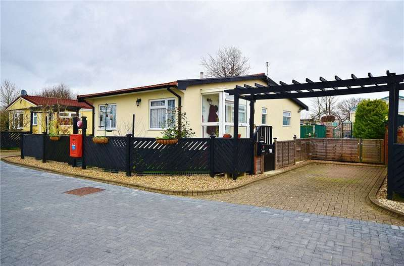 2 Bedrooms Park Home Mobile Home for sale in Takeley