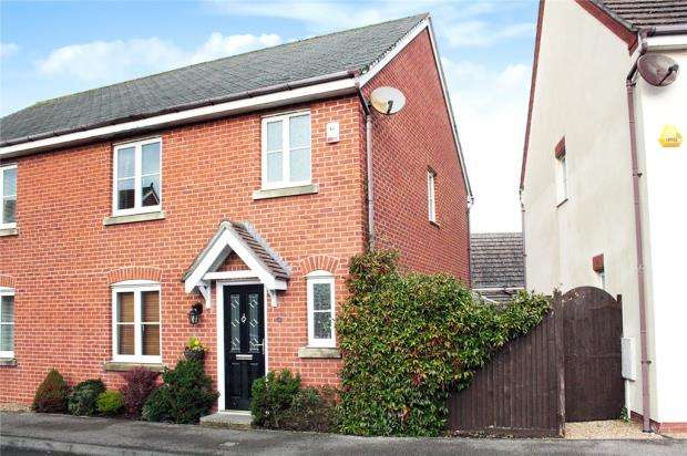 3 Bedrooms Semi Detached House for sale in Roman Avenue, Bramley Green, Angmering, West Sussex, BN16