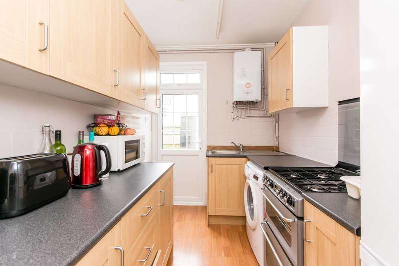 3 Bedrooms House for sale in Yewfield Road, Harlesden, NW10