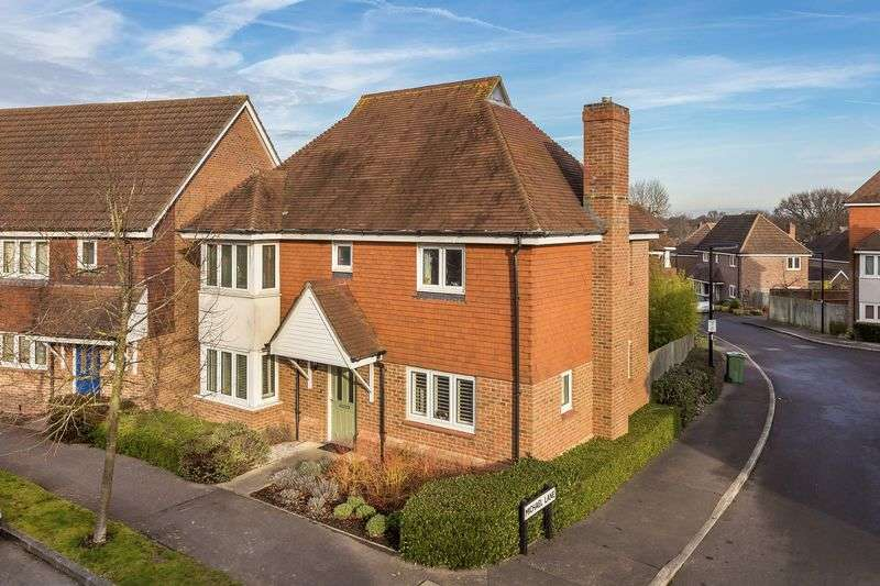 3 Bedrooms Detached House for sale in Macdowall Road, Guildford