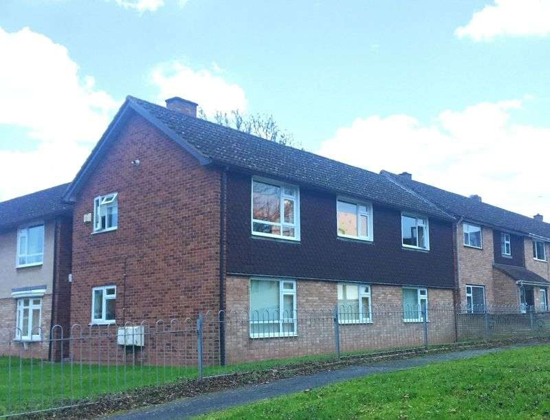 2 Bedrooms Flat for sale in Barricombe Drive, Hereford
