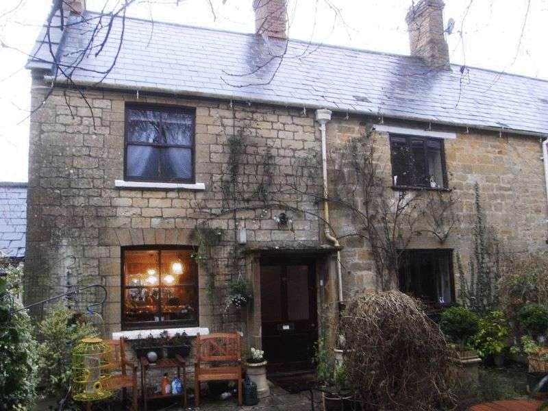 3 Bedrooms Semi Detached House for sale in North Street, Crewkerne