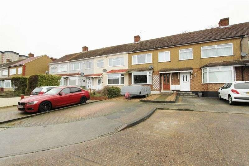 4 Bedrooms Terraced House for sale in Ashvale Gardens, Romford, RM5