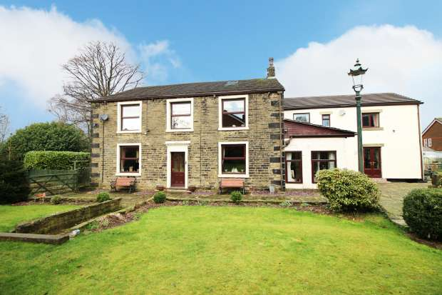 6 Bedrooms Detached House for sale in Broad Lane, Lancashire, OL16 4PU
