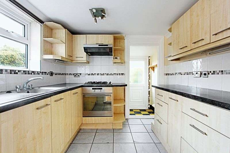 3 Bedrooms Terraced House for sale in Keswick Gardens, Hull