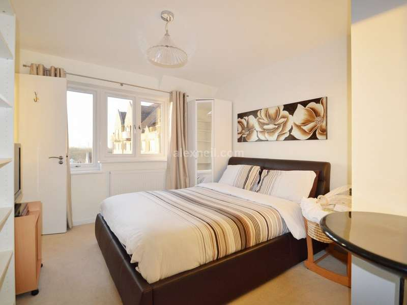2 Bedrooms Flat for sale in Rembrandt Close, Isle of Dogs E14