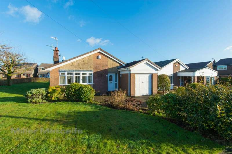 3 Bedrooms Detached Bungalow for sale in Garstang Drive, Bury, Lancashire