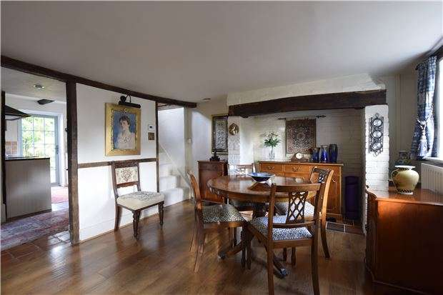 2 Bedrooms Cottage House for sale in Peartree Lane, BEXHILL-ON-SEA, East Sussex, TN39 4RQ