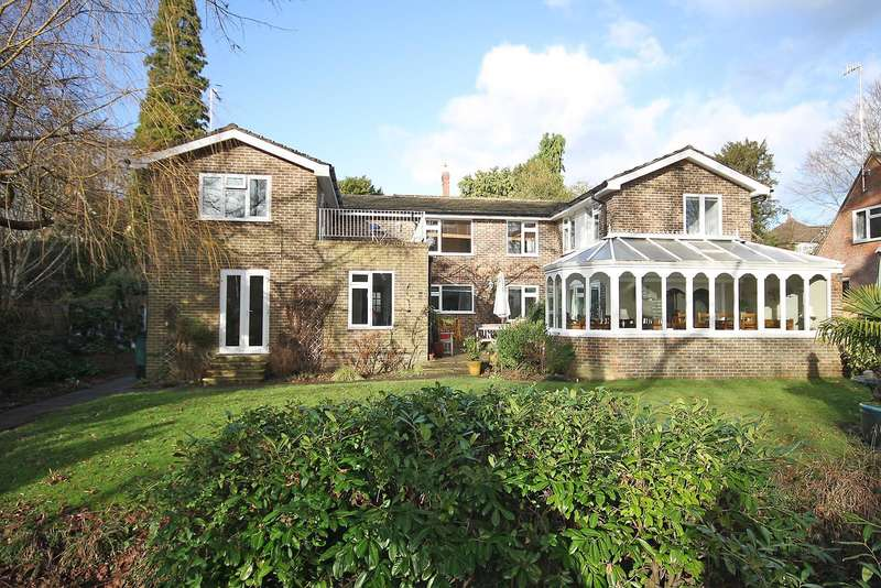 4 Bedrooms Property for sale in The Avenue, South Nutfield, Redhill