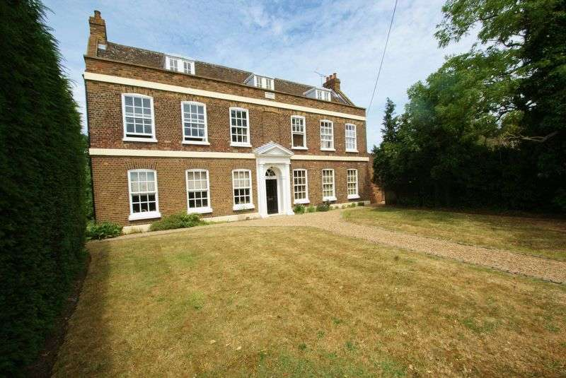 1 Bedroom Flat for sale in High Road, North Stifford