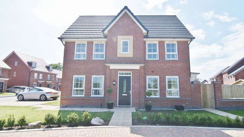 3 Bedrooms Semi Detached House for sale in Texan Close, Warton PR4 1EY