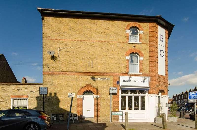 1 Bedroom Flat for sale in Garratt Lane, Earlsfield, SW18
