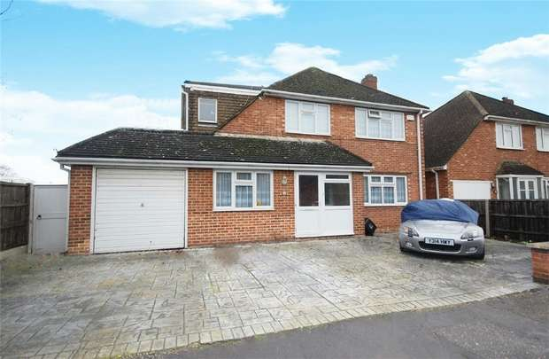 4 Bedrooms Detached House for sale in Ripley Road, Hampton