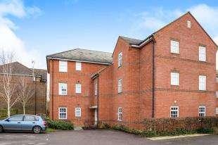 2 Bedrooms Flat for sale in Beckett Road, Coulsdon, Surrey