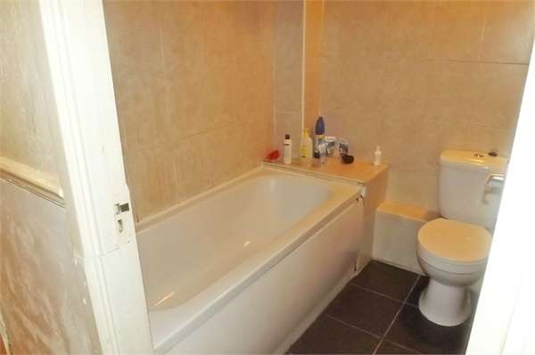 2 Bedrooms Flat for sale in King Street, London