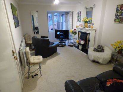 2 Bedrooms Retirement Property for sale in Albion Street, Oadby, Leicester, Leicestershire