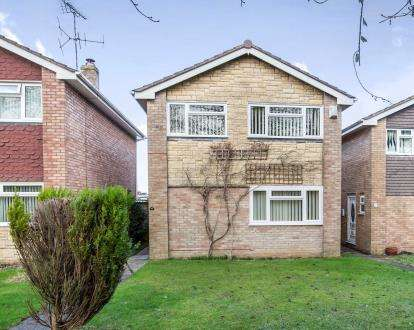 3 Bedrooms Detached House for sale in Grebe Close, Abbeydale, Gloucester, Gloucestershire