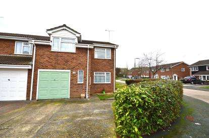 4 Bedrooms Semi Detached House for sale in Shoeburyness, Southend-On-Sea, Essex