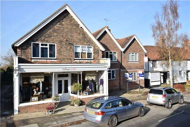 3 Bedrooms Flat for sale in North Road, Goudhurst, CRANBROOK, Kent, TN17 1AR