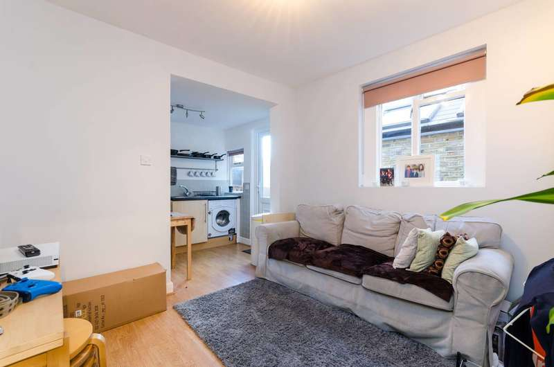 2 Bedrooms Flat for sale in Adelaide Grove, Shepherd's Bush, W12