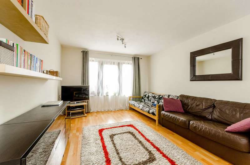2 Bedrooms Terraced House for sale in Bracknell Close, Wood Green, N22