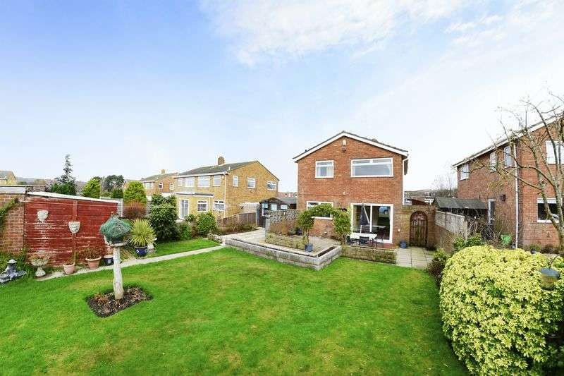 3 Bedrooms Detached House for sale in Bader Road, Poole, BH17.