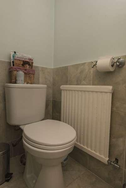 3 Bedrooms Terraced House for sale in Dillwyn Close, London, London, SE26