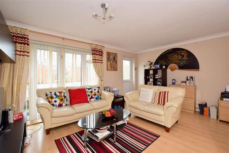 3 Bedrooms Semi Detached House for sale in Northlands Avenue, Haywards Heath, West Sussex