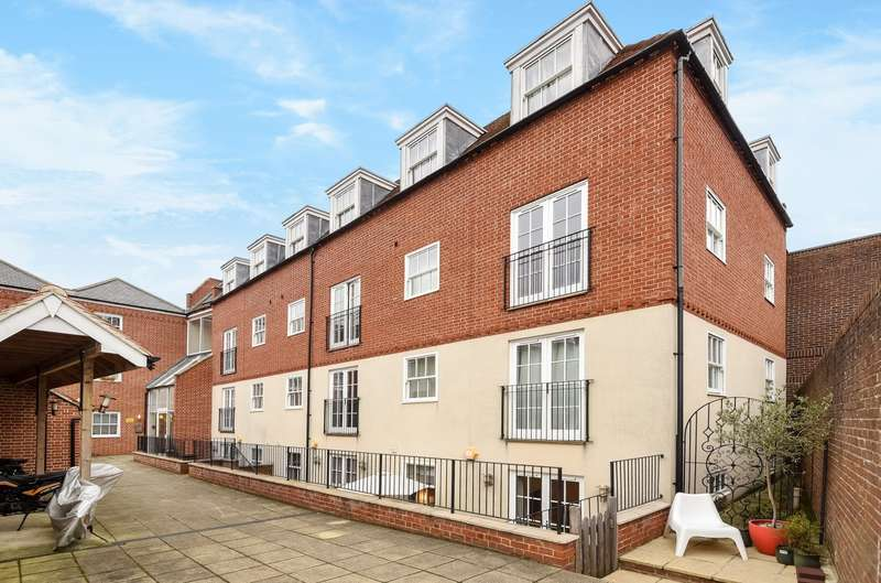 1 Bedroom Flat for sale in Bedford Chambers, Southgate, Chichester, PO19