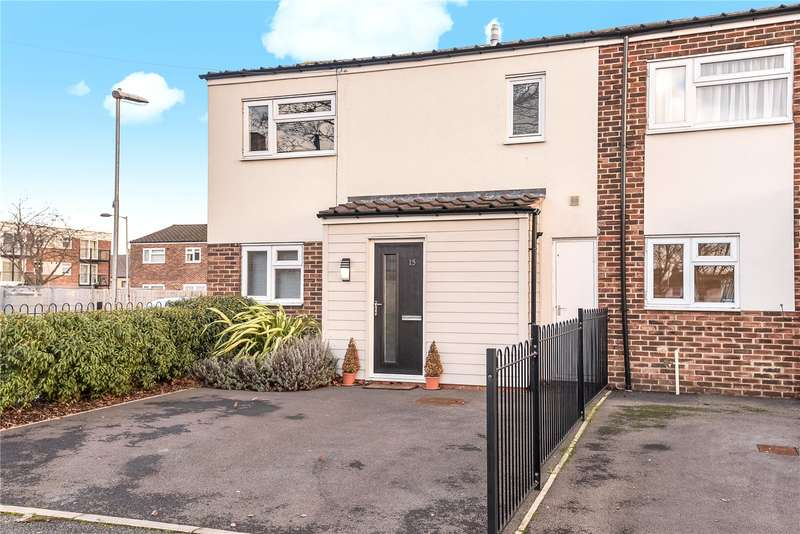3 Bedrooms End Of Terrace House for sale in Martin Close, Uxbridge, Middlesex, UB10