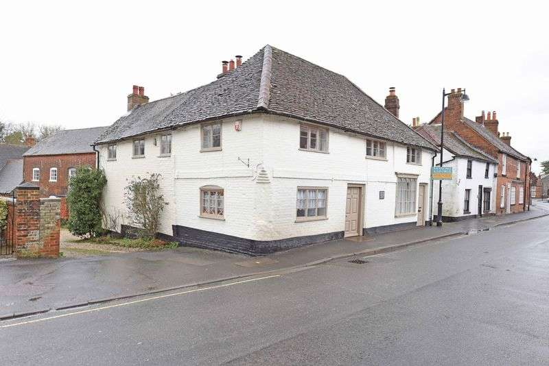 4 Bedrooms Detached House for sale in Swan Street, Kingsclere