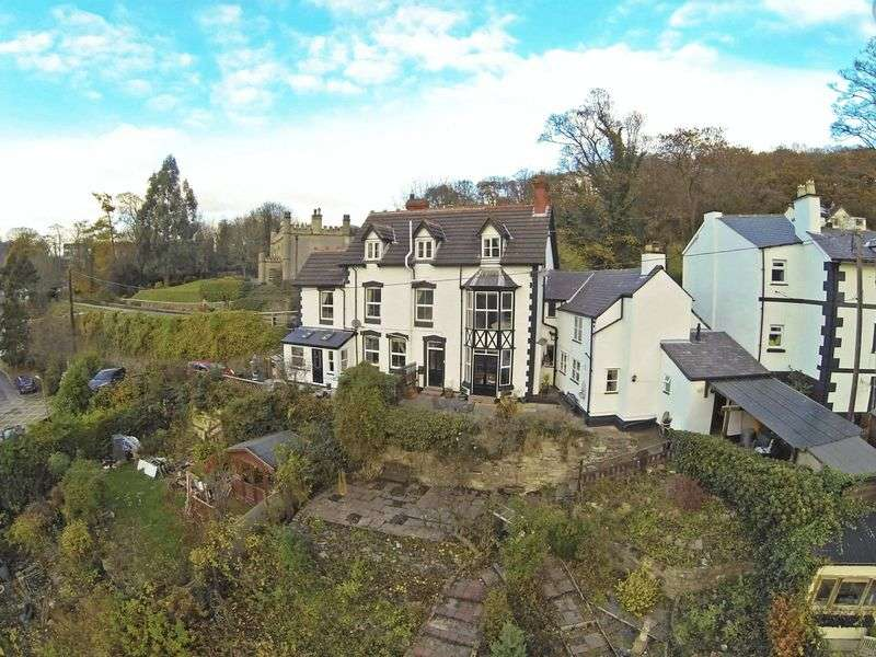 4 Bedrooms Semi Detached House for sale in Wharf Hill, Llangollen