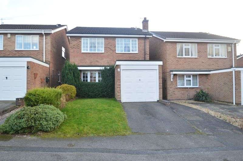 4 Bedrooms Detached House for sale in Fairway Drive, Bulwell