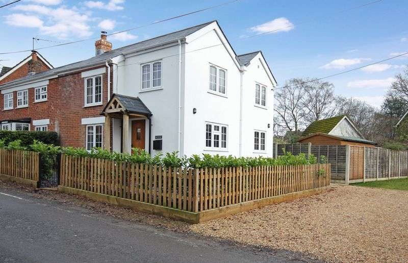 3 Bedrooms Cottage House for sale in Sandleheath