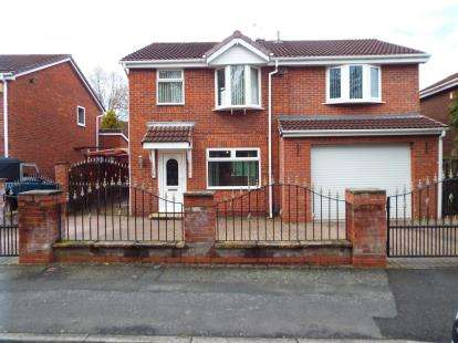4 Bedrooms Detached House for sale in St. David's Drive, Callands, Warrington, Cheshire, WA5