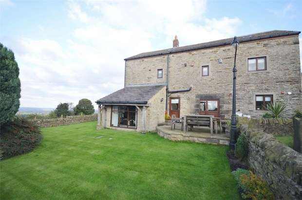 4 Bedrooms Mews House for sale in Hall Top Mews, Hoylandswaine, SHEFFIELD, South Yorkshire