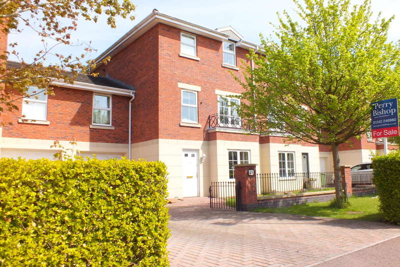 4 Bedrooms Town House for sale in Charlecote, Cheltenham