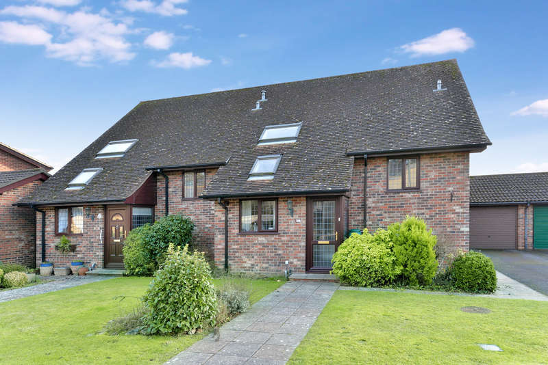 3 Bedrooms Semi Detached House for sale in Benmore Close, New Milton
