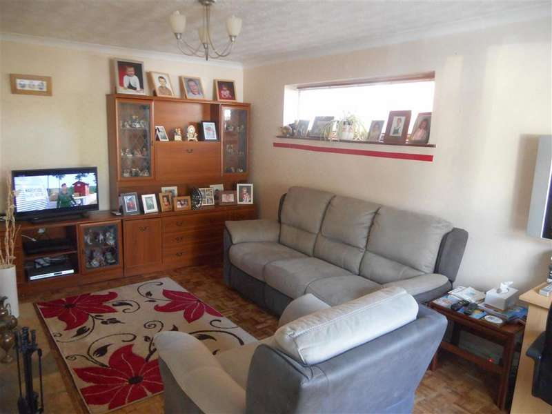 5 Bedrooms Semi Detached House for sale in Chapman Avenue, Maidstone, Kent