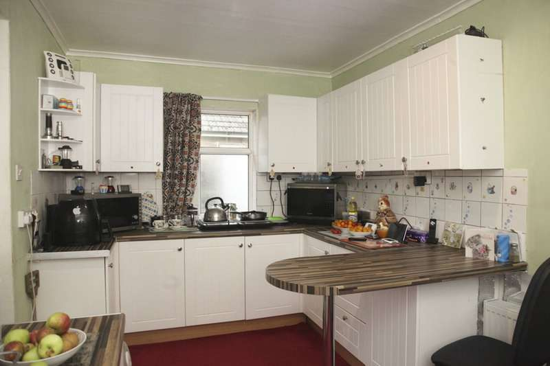 2 Bedrooms Bungalow for sale in Wimblington Road, March, Cambridgeshire, PE15