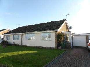2 Bedrooms Bungalow for sale in The Fairway, Dymchurch, Romney Marsh