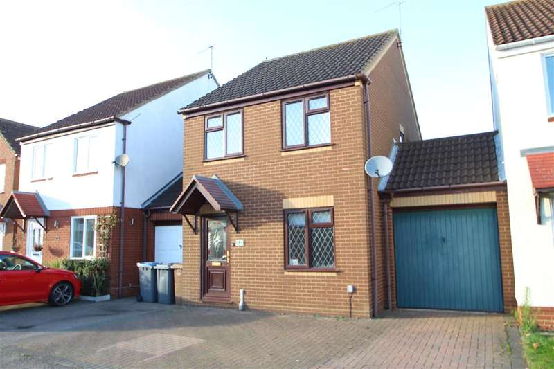 3 Bedrooms Link Detached House for sale in Banyard Close, Grange Farm, Kesgrave, Ipswich
