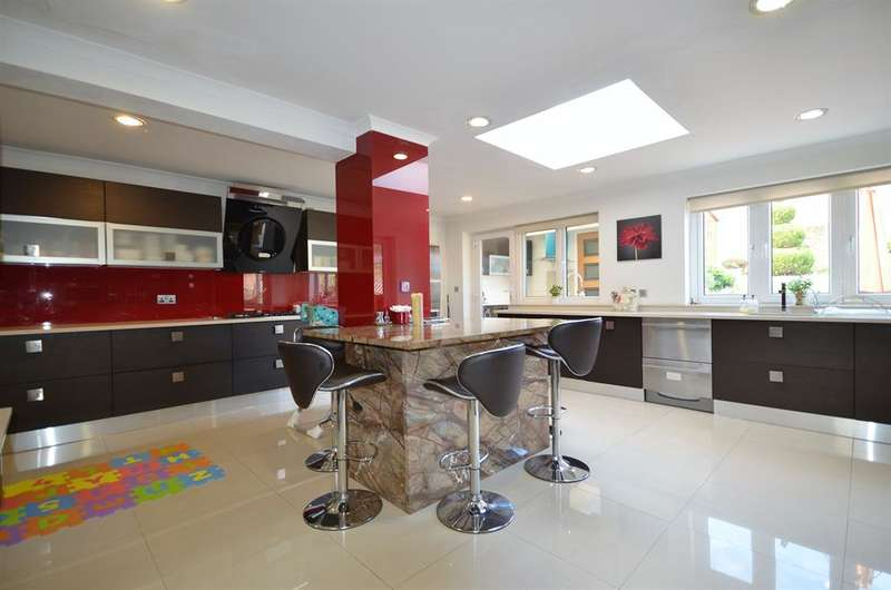 5 Bedrooms Detached House for sale in Bengeworth Road, Harrow, Middlesex, HA1 3SF